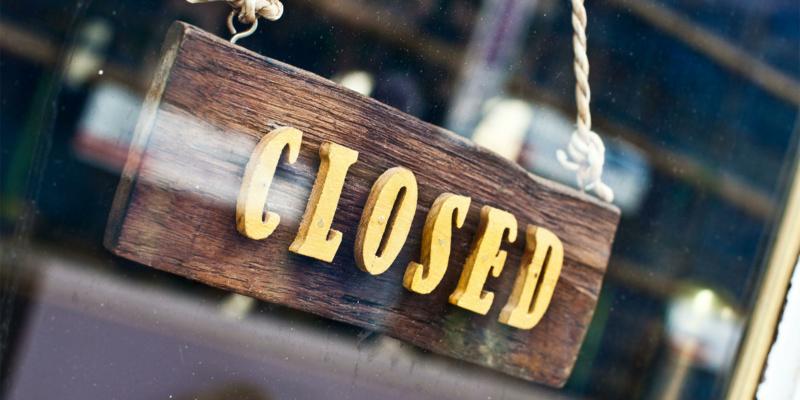 A 'closed' shop sign