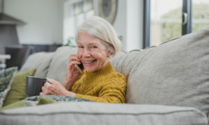 5 ways tech can help you stay in touch with family and friends
