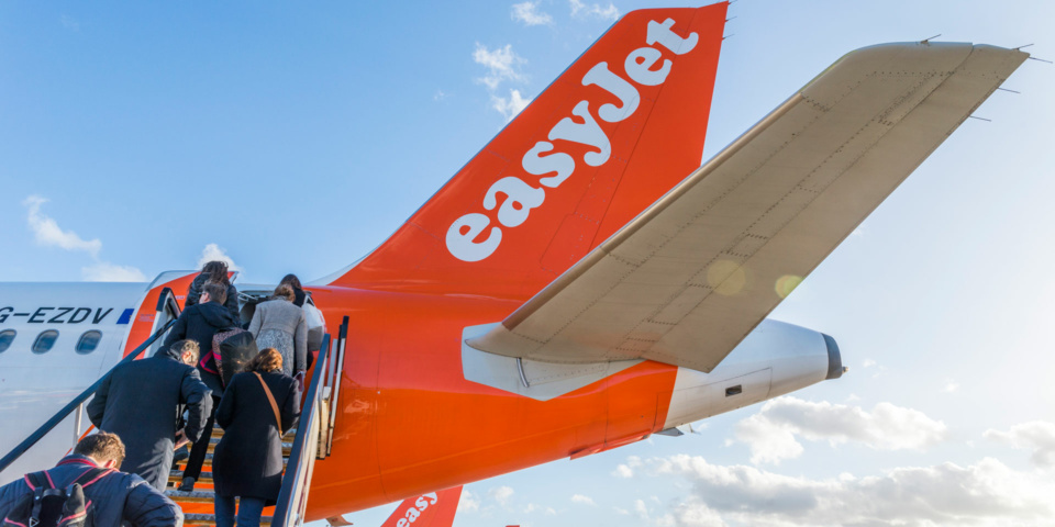 EasyJet adds online refund form for cancelled flights