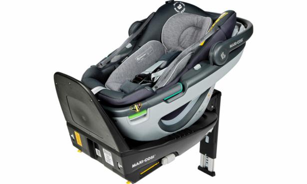 Maxi Cosi Coral car seat + FamilyFix3 base
