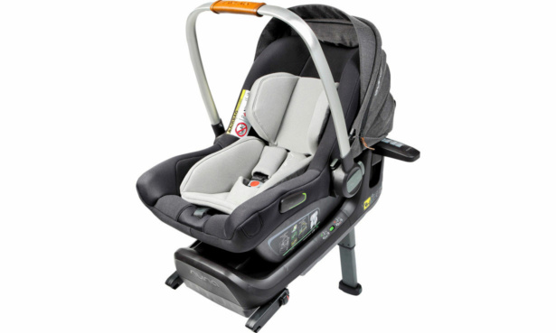 Nuna Pipa Next car seat + Pipa Next Base