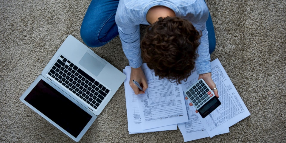 Should you take advantage of this year's delayed payment on account deadline?