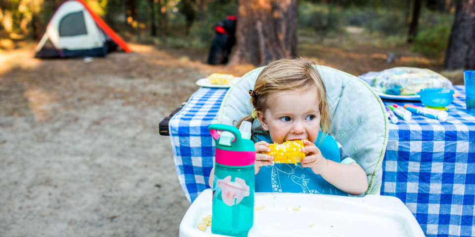 Eight stress-busting tips for feeding your baby on holiday