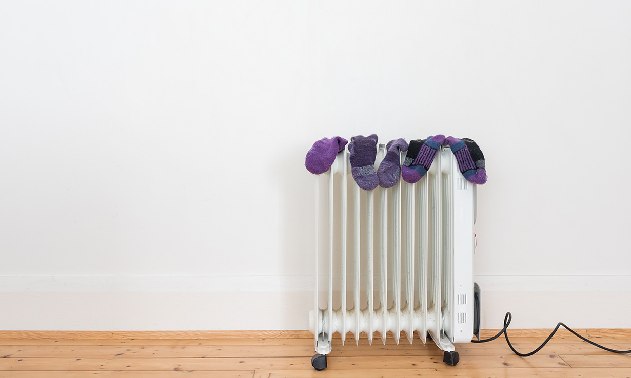 Washing drying on a heater