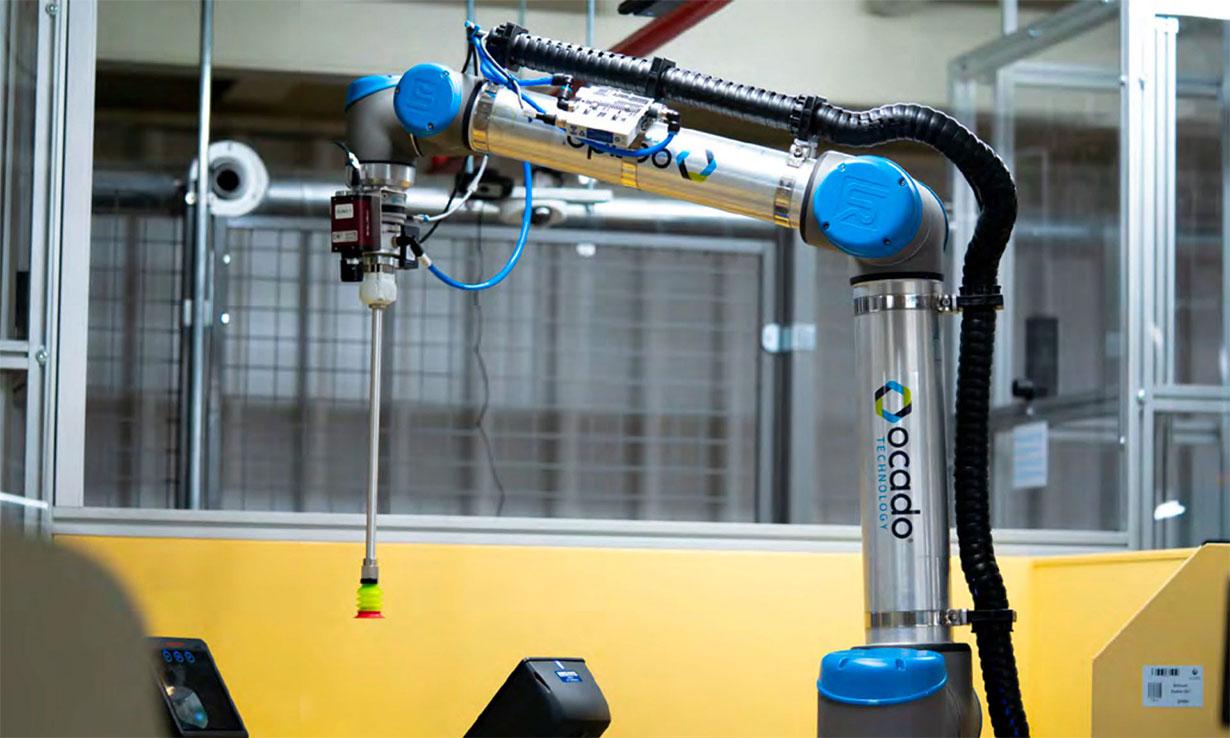 Robot picking groceries