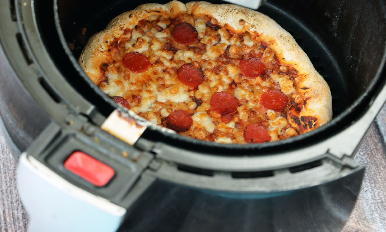 Pizza in an air fryer