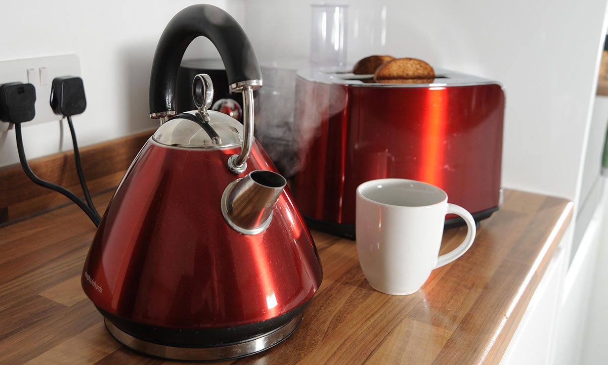 Mid-range kettles and toasters