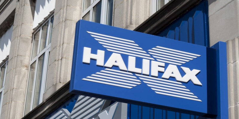 Halifax relaunches its £100 switching bonus: is it worth getting a new current account?